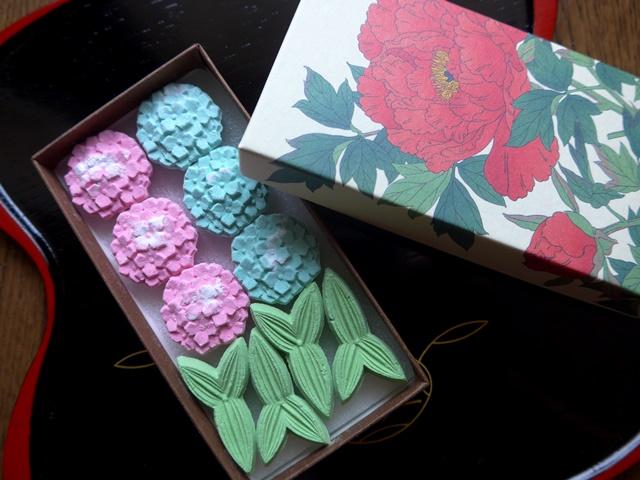 紫陽花の干菓子